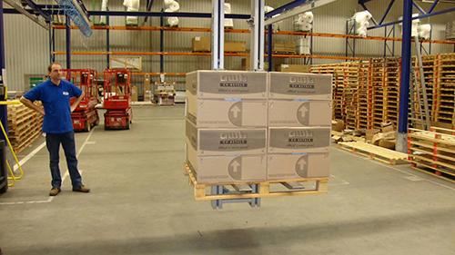 铝轨系统在仓储搬运的应用