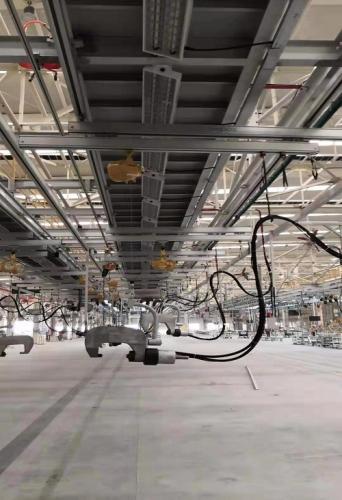铝合金轨道系统配合智能提升机